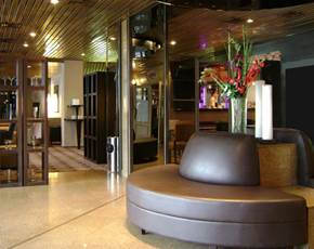 Lobby Hotel Median Paris Congres
